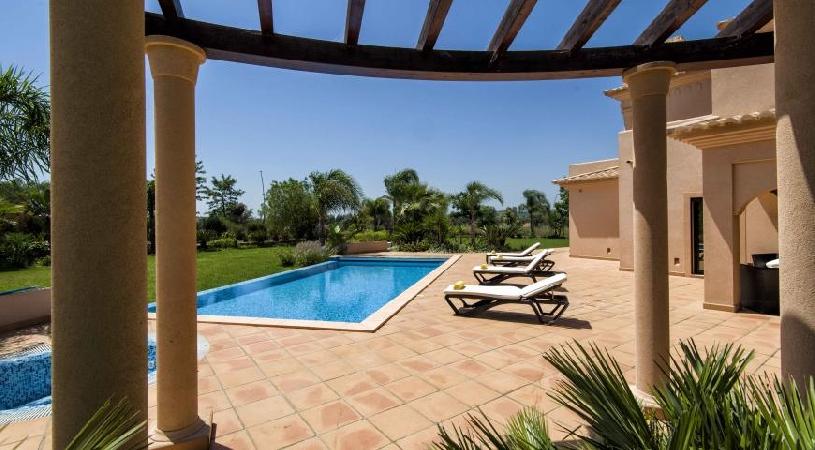 Amendoeira Pool Villa 4 SZ - 08
