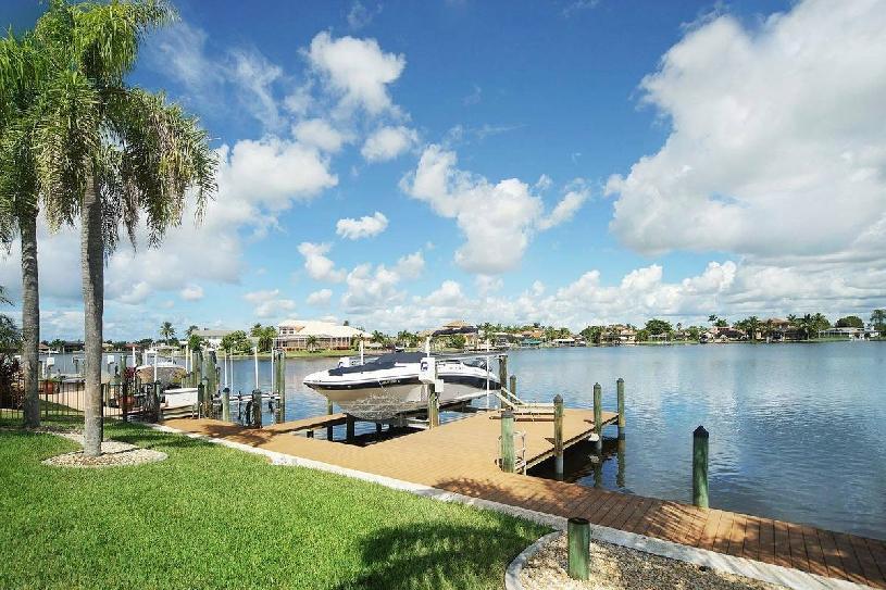 Florida Cape Coral Lake View Golf Villa 3 SZ - 10