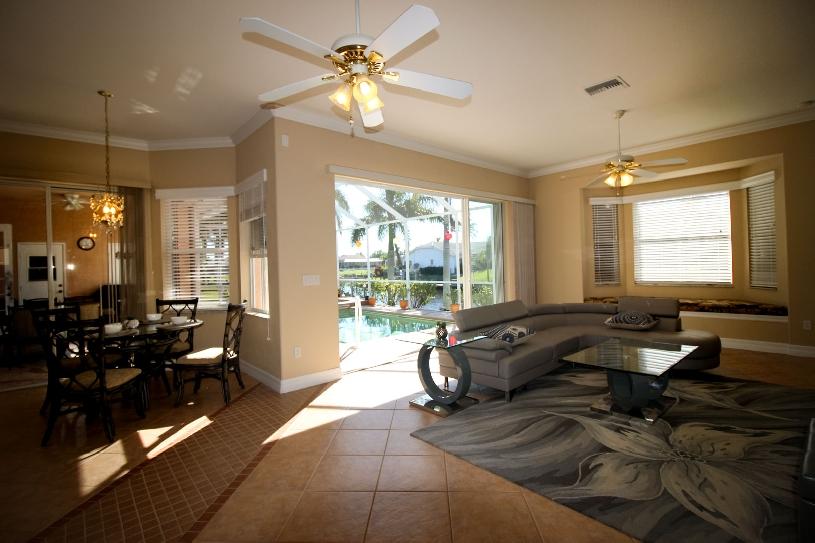 Florida Cape Coral Luxury Canal Villa - 06