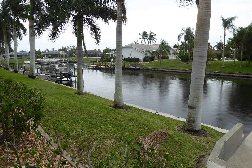 Florida Cape Coral Luxury Canal Villa - 13