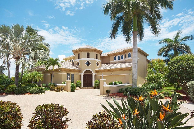 Florida Cape Coral Luxury Golf Villa - 01