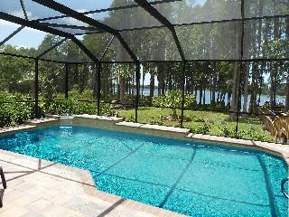 Florida Tampa Golfvilla direkt am See mit eigenem Steg