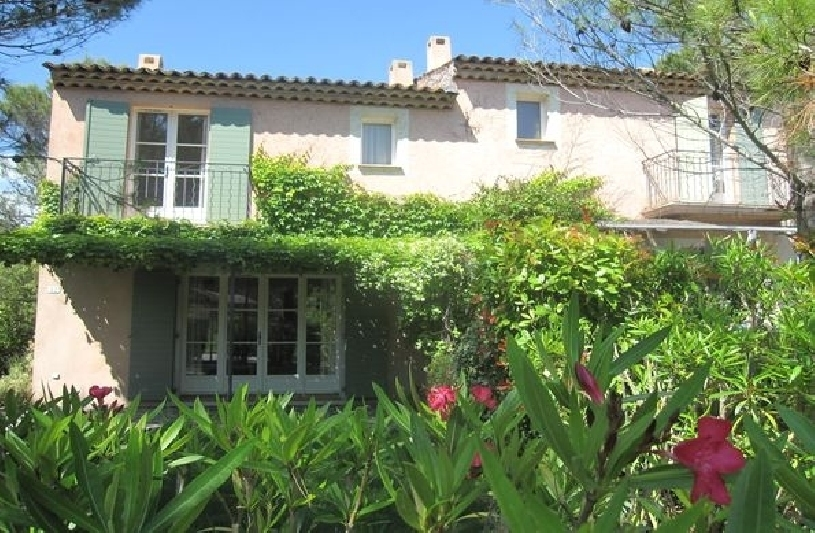 Frankreich Provence St Endreol Townhouse  in Bestzustand - 02