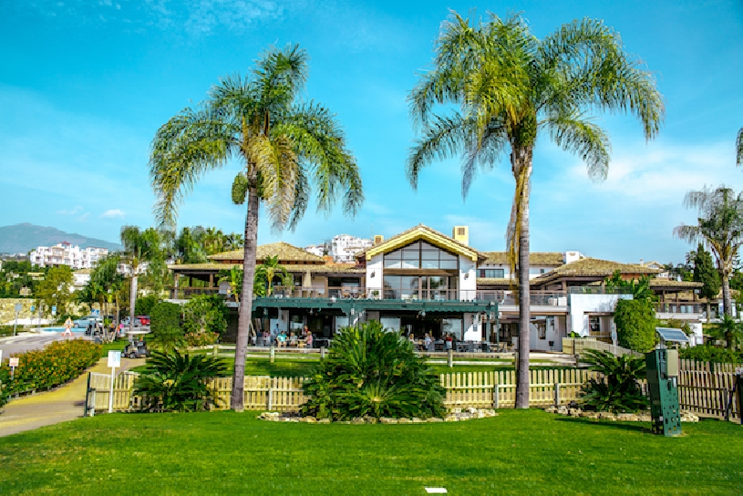 Spanien, Costa del Sol, Luxusapartments am Golfplatz - 09