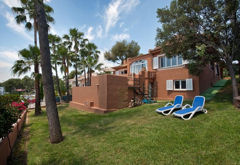 mallorca alcanada traum villa mit panorama meerblick in mallorca spanien. Black Bedroom Furniture Sets. Home Design Ideas