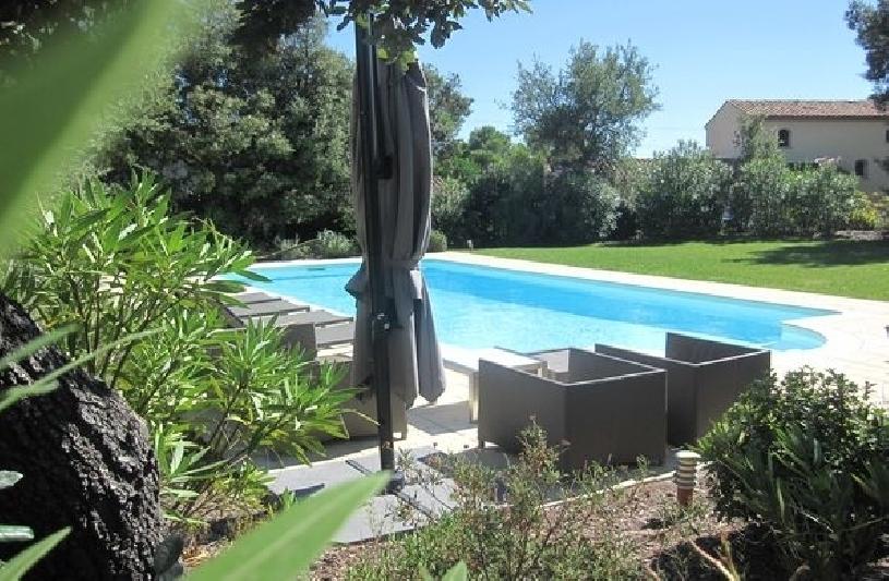 Provence Villa St Endreol mit Pool am Golfplatz - 01