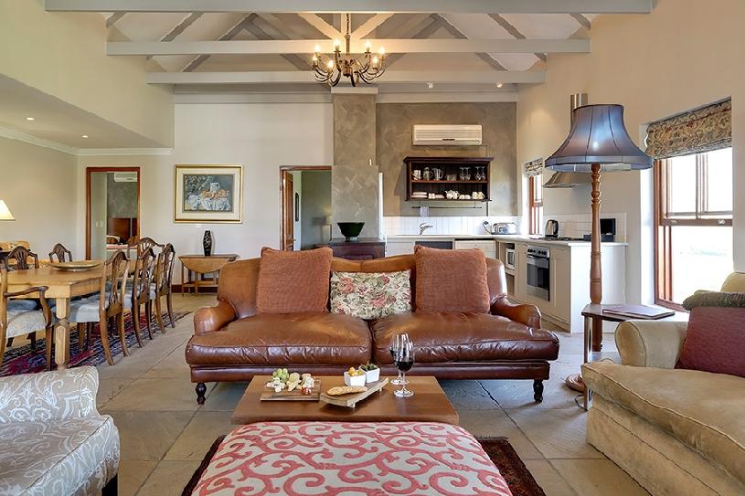Südafrika Stellenbosch DeZalze Luxury Family Suite - 02
