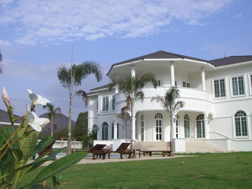 Villa Whitehouse Hua Hin - 01